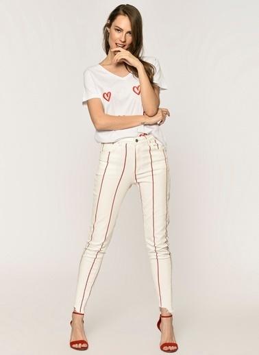 Loves You Püskül Paça Kırmızı Yüksel Bel Jean Pantolon Beyaz